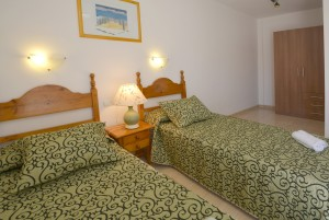 Double Bedroom Mont Roig del Camp